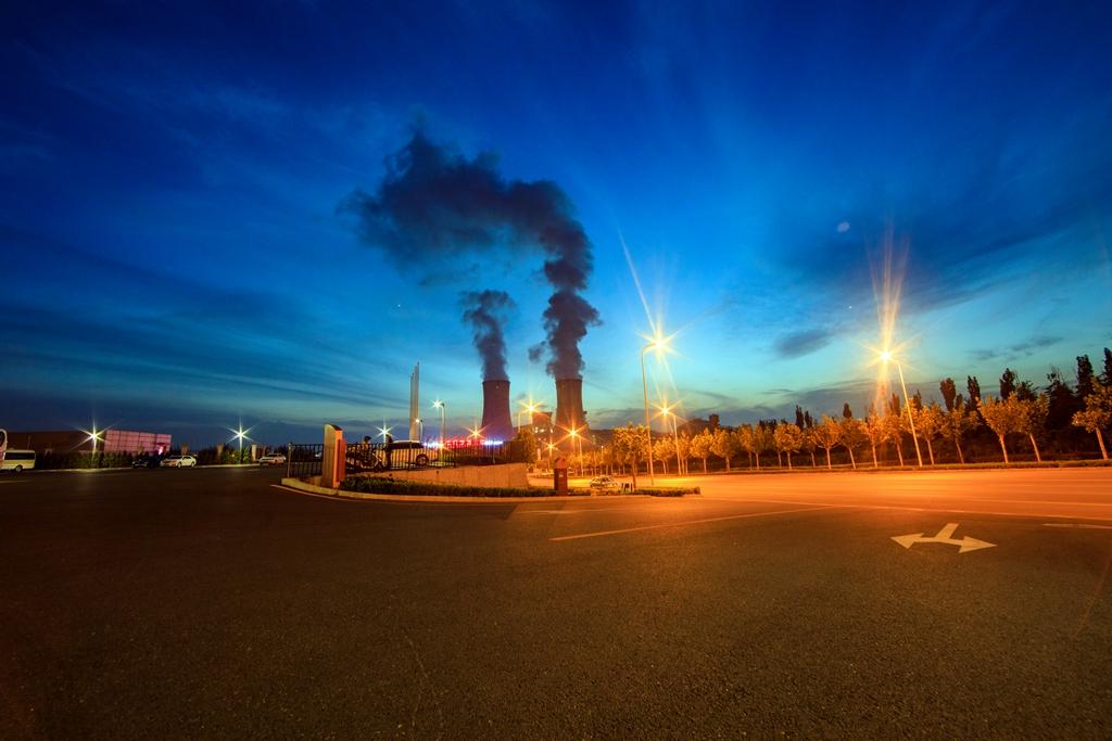 市场仍关注欧佩克协商 原油周四收盘下跌